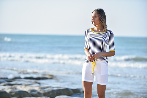 Viscose striped t-shirt with linen profiles