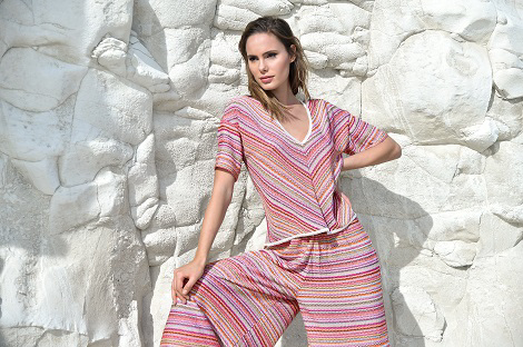 Multicolour striped t-shirt and wide-leg trousers